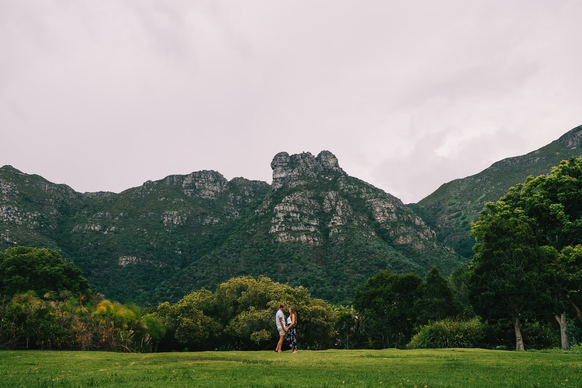 Cape Town Wedding Photographer - Victoria and Sheldon below Table Mountain