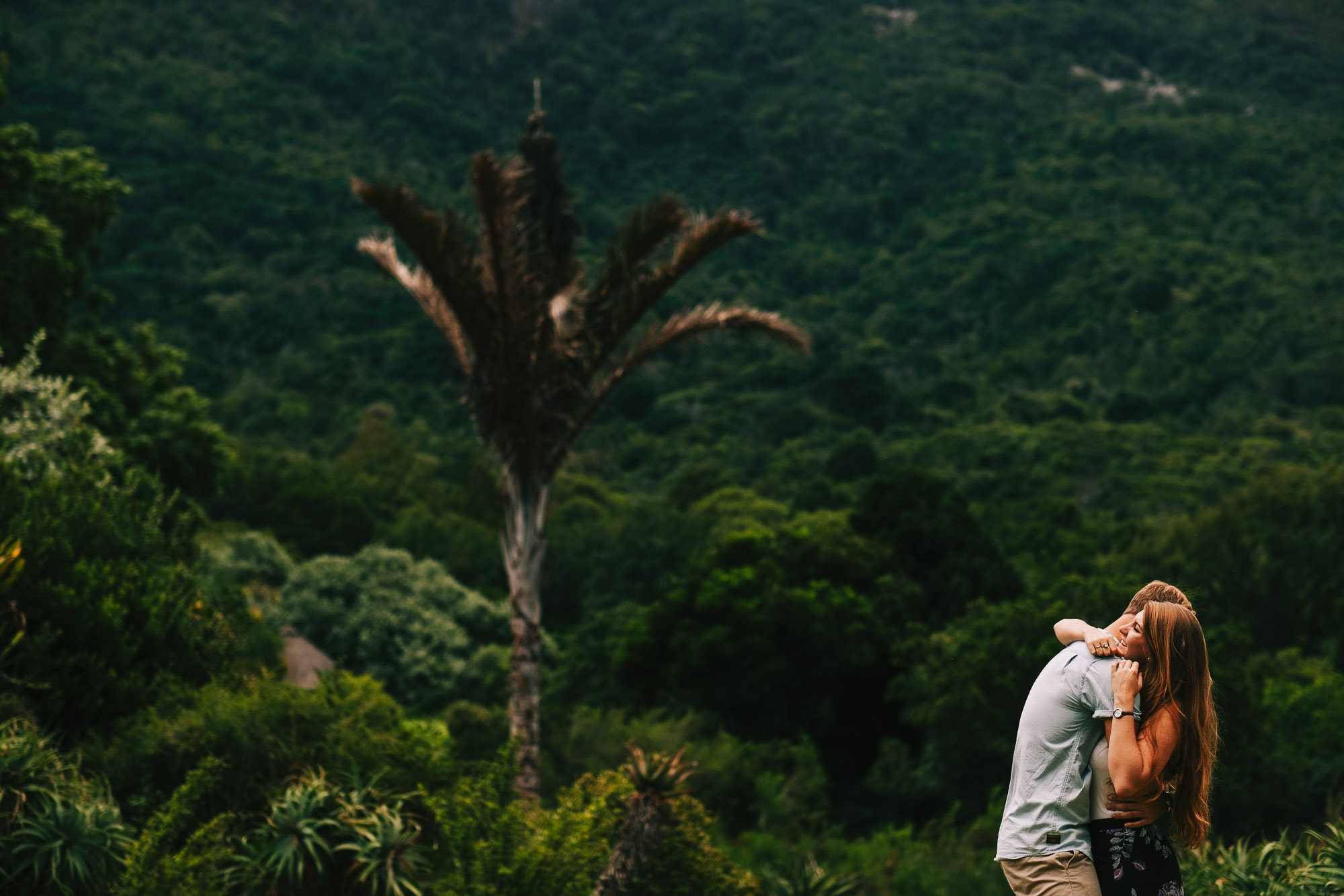 Cape Town Wedding Photographer - Victoria and Sheldon laughing in Kirstenbosch Gardens